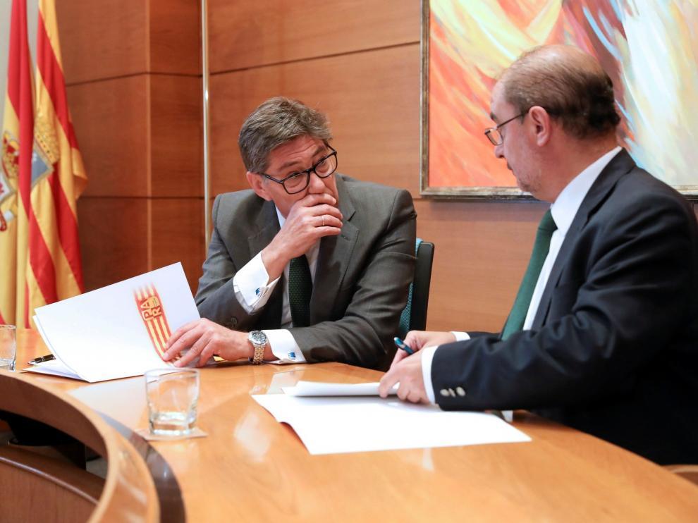 PSOE y PAR cierran un pacto para un gobierno de Aragón basado en la centralidad
