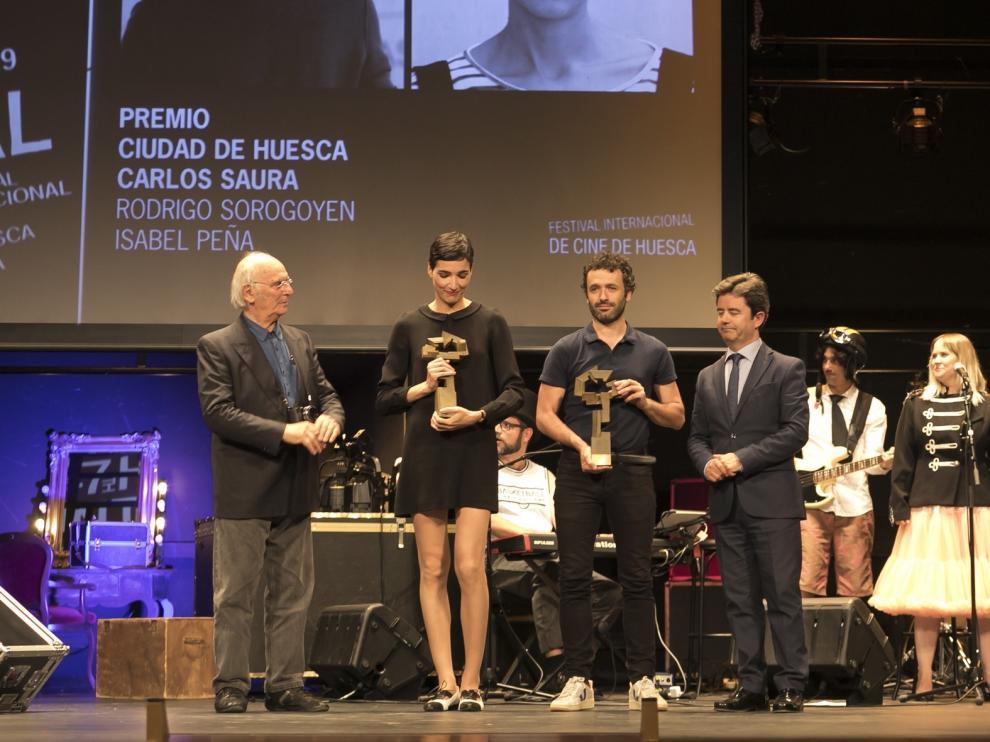 Isabel Peña y Rodrigo Sorogoyen recogen en Huesca el Premio Carlos Saura