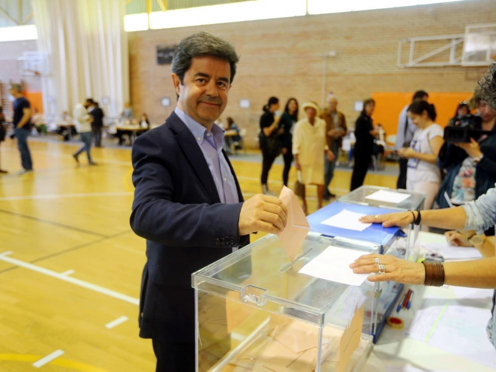 Luis Felipe vuelve a pedir a Cs una reunión tras la alianza PSOE-PAR en Aragón