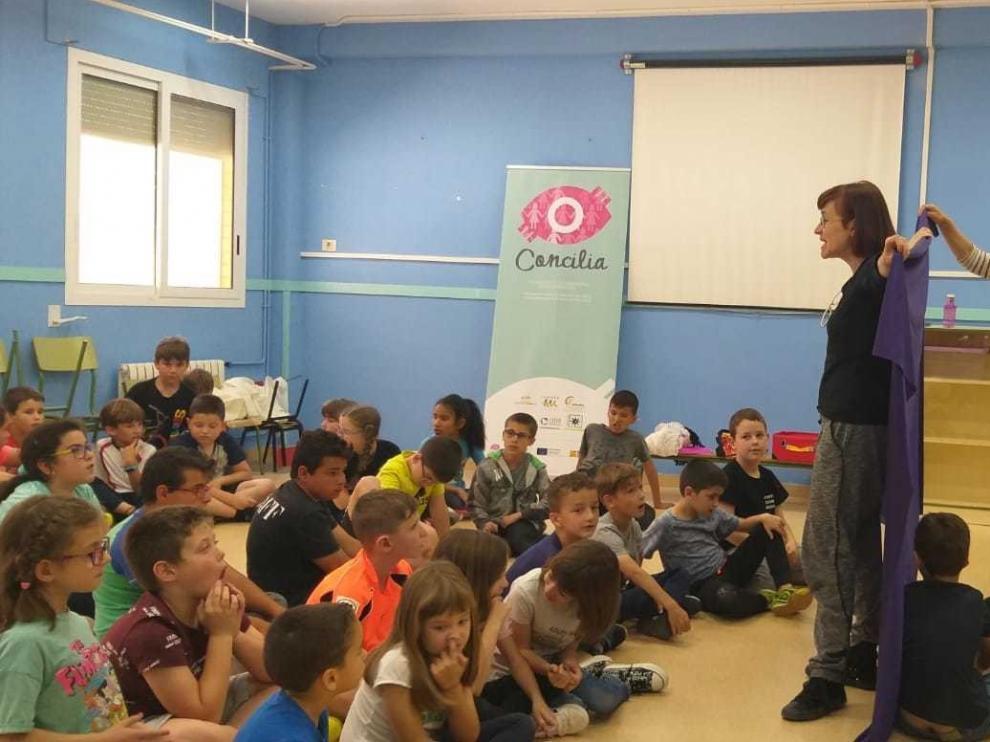 """Cerca de 120 escolares de Huesca acaban el curso con """"Gafas para la igualdad"""""""