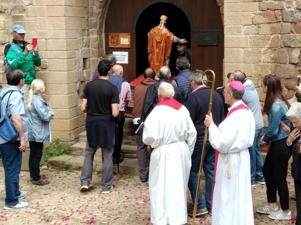 El entorno de San Juan de la Peña muestra su fe por San Indalecio
