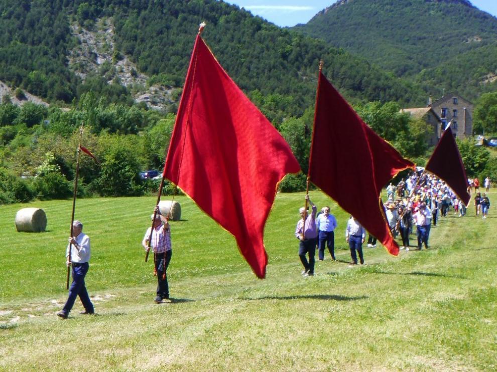 Popular romería en Albella en torno a la tradición de San Úrbez