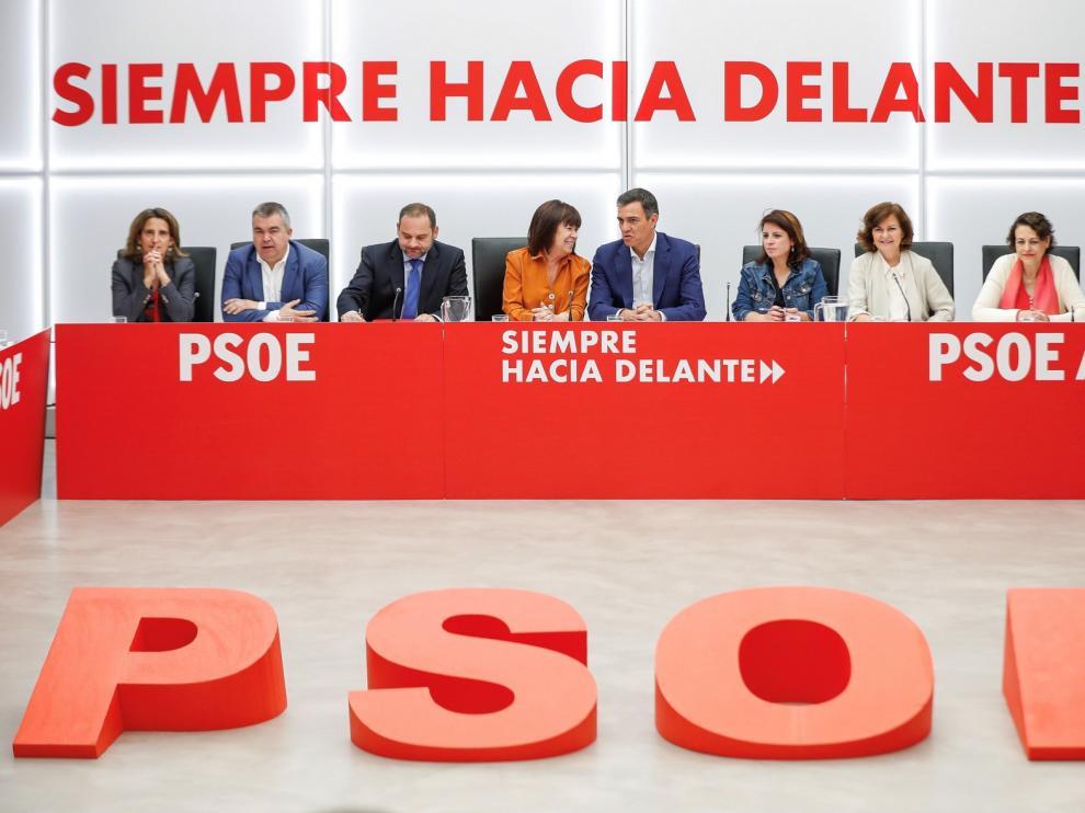 Sánchez amenaza a los líderes con repetir elecciones