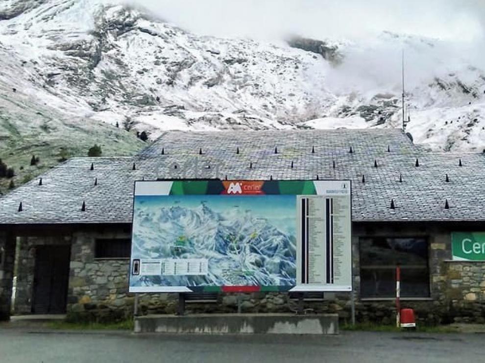 La ola de frío polar en el Pirineo oscense sorprende a dos semanas de entrar el verano