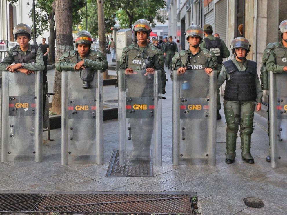 Guaidó denuncia militarización parcial de la sede del Parlamento