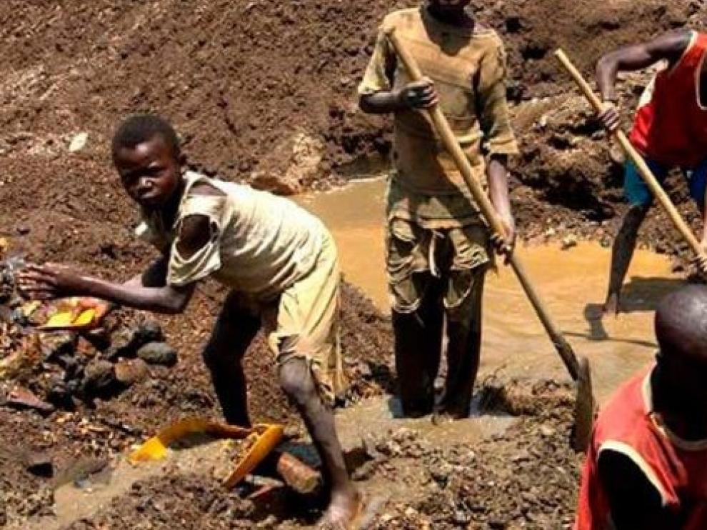Trece muertos por un derrumbe en una mina de oro de RD del Congo