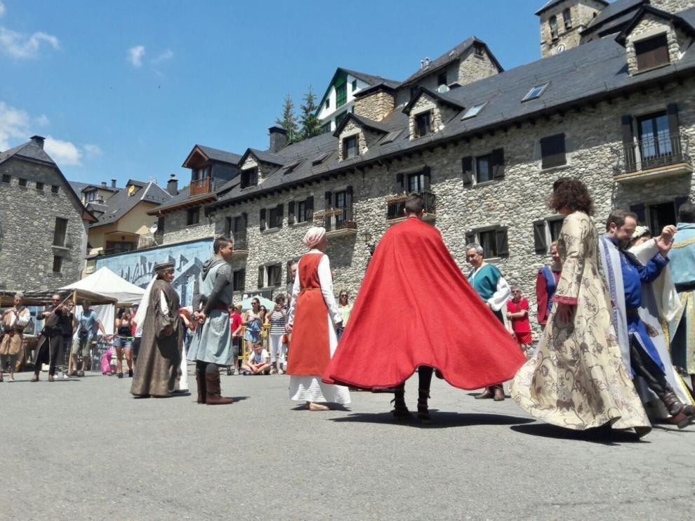 El Mercado Mágico abre un singular fin de semana en Sallent de Gállego