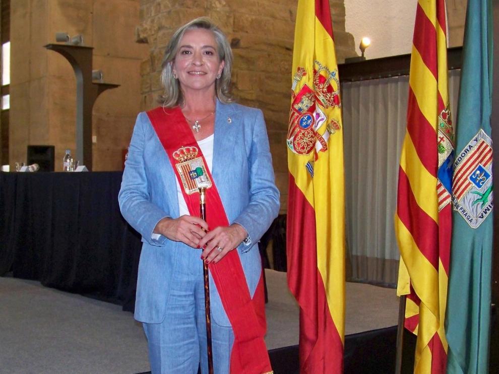 La popular Carmen Costa se convierte en la primera mujer al frente del Consistorio de Fraga