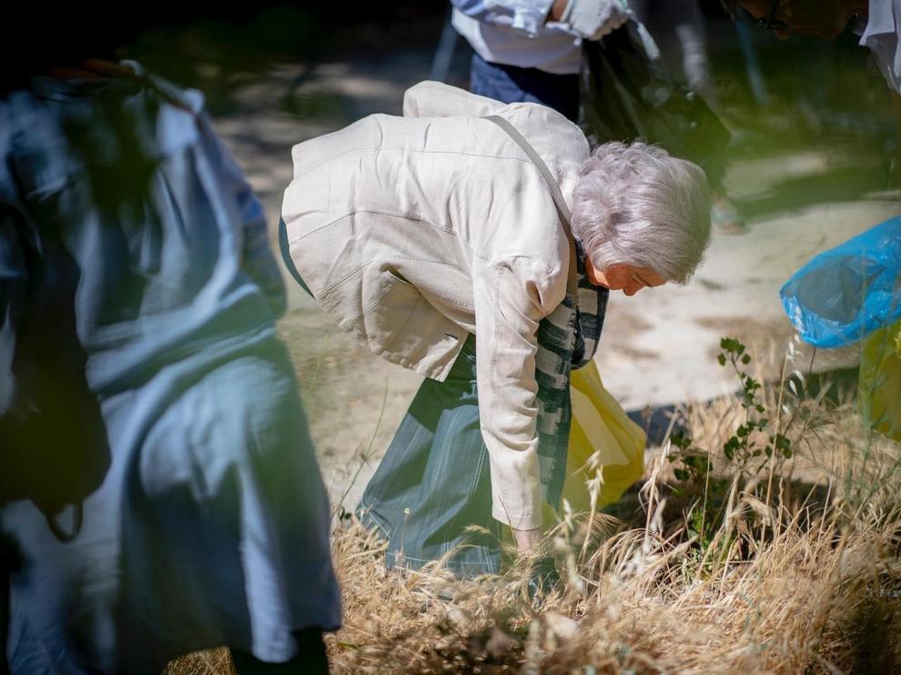 La reina Sofía, en la campaña de limpieza colaborativa de la SEO