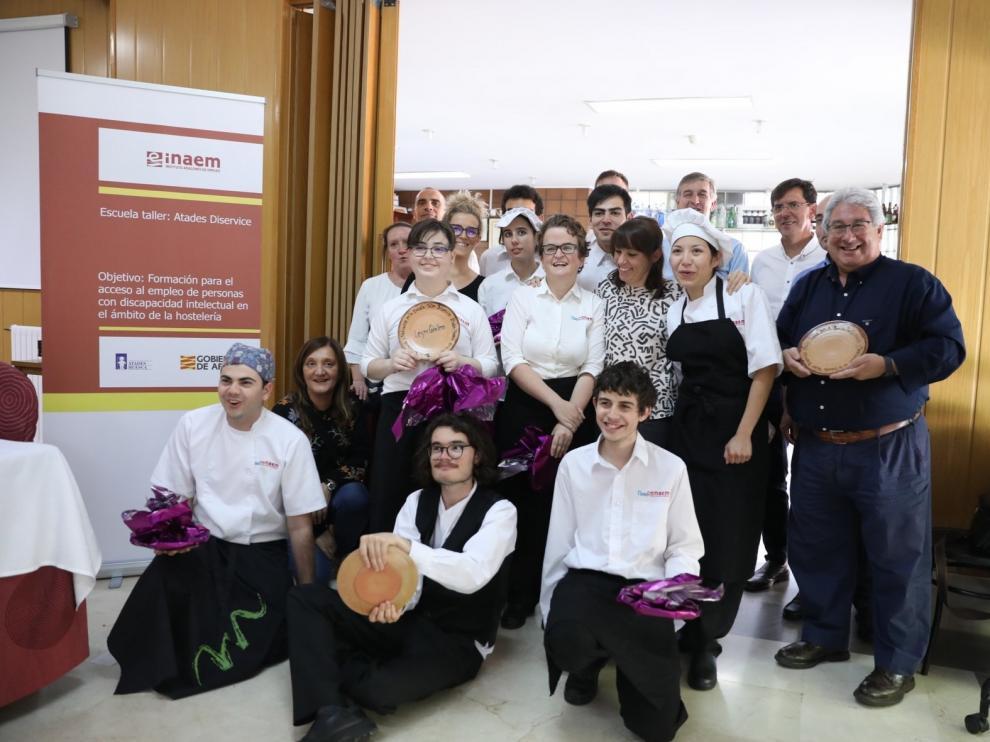 """""""Cum laude"""" a los alumnos de la Escuela Taller Diservice de Atades Huesca"""