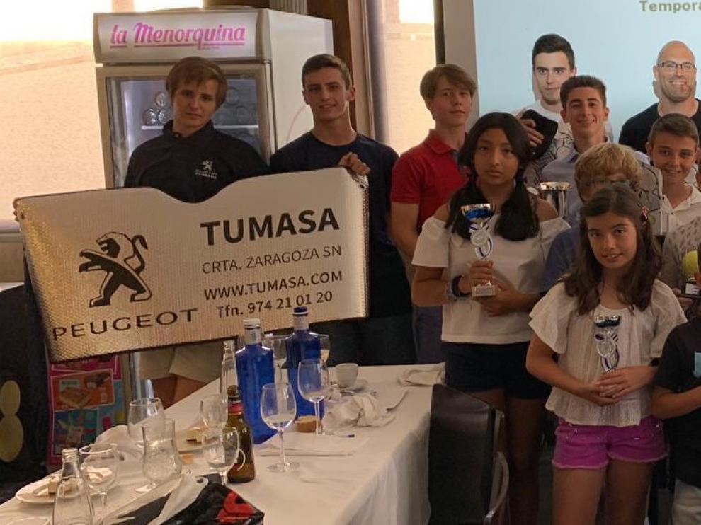 El Club Tenis Zoiti Peugeot celebra en Huesca su fiesta fin de temporada