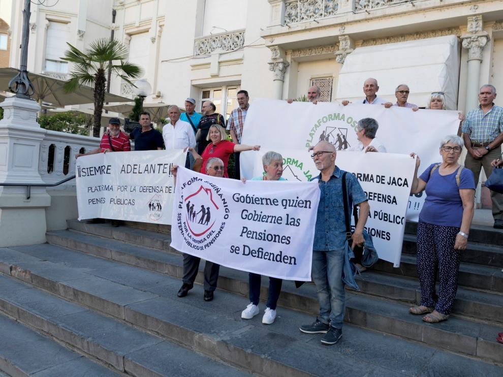 """Los jubilados vuelven a defender en Huesca las pensiones """"gobierne quien gobierne"""""""