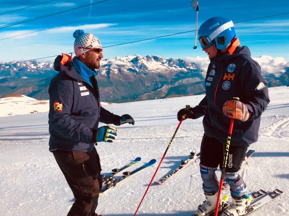 El CETDI con base en Jaca inicia sus entrenos en nieve en Les Deux Alpes