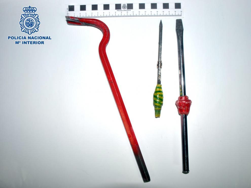 La Policía Nacional detiene infraganti a dos hombres que trataban de robar en un comercio de Huesca