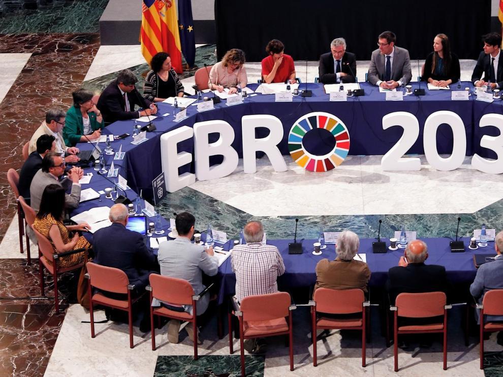 Olona destaca la colaboración de Aragón en materia de agua