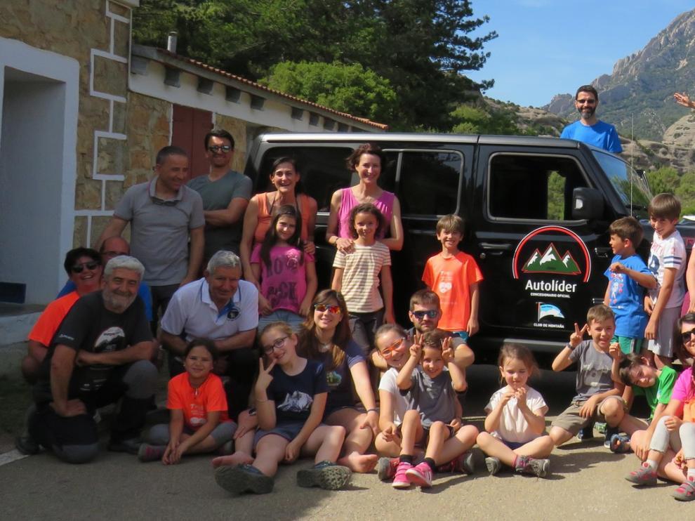 Peque Guara en familia despide el curso con una acampada en el refugio de Vadiello