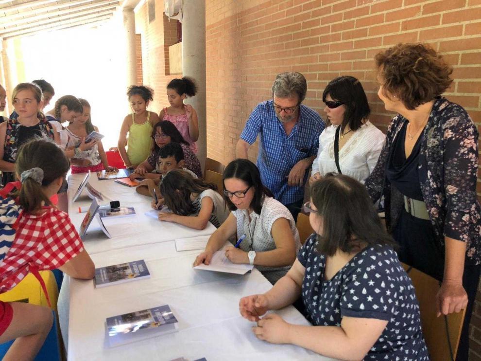 """Down Huesca presenta """"Poesía y diversidad"""", su libro más coral"""