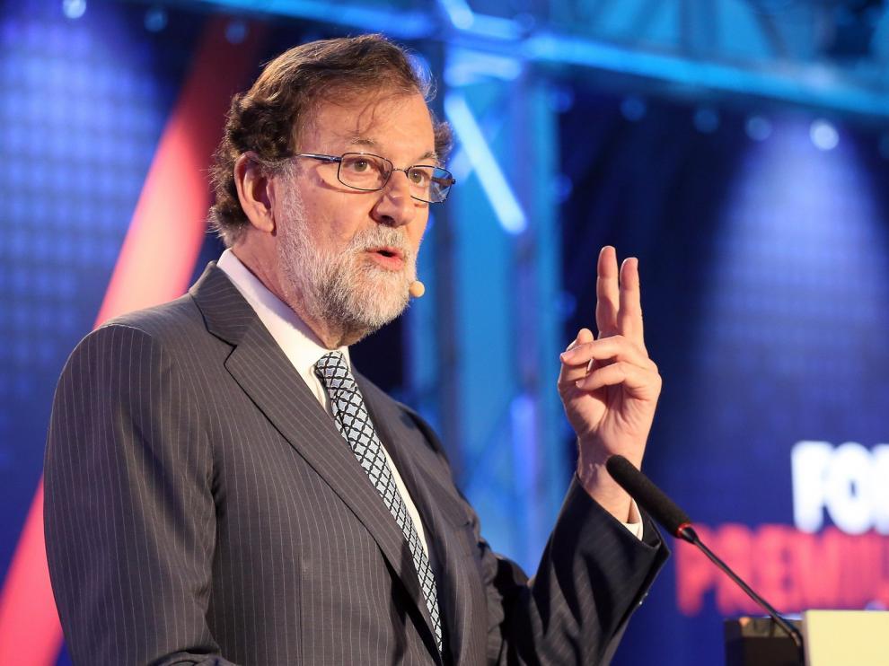 """Rajoy pide un """"gobierno lo más centrado posible"""" con mayoría absoluta"""