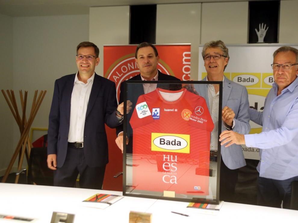 Bada renueva por dos años su patrocinio al BM. Huesca