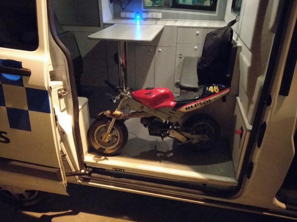 Denunciado un joven por ir en una minimoto por el centro de Huesca