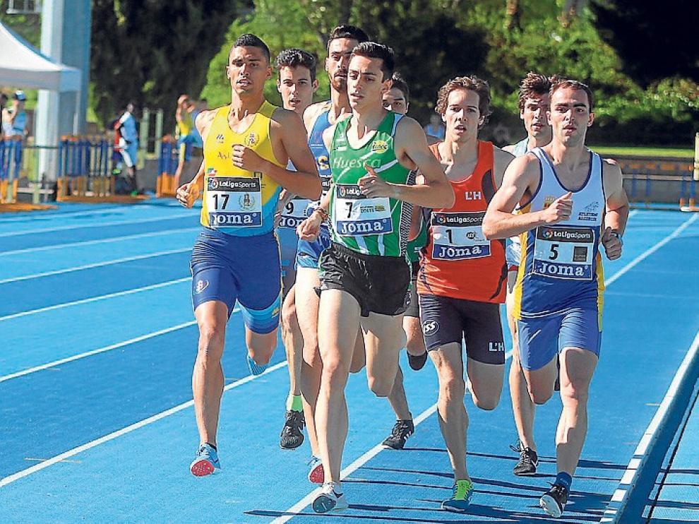 Laura Pintiel, Pol Oriach y Mario Revenga lucharán por el título nacional juvenil