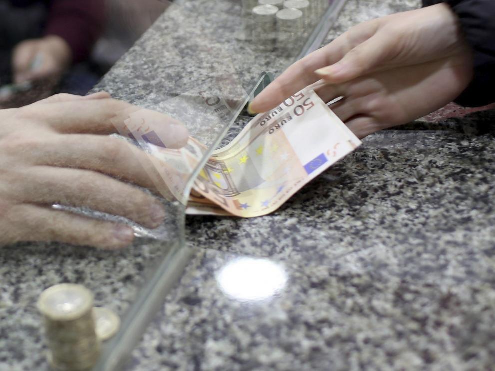 Los aragoneses cobraron un salario medio de 23.000 euros en 2017