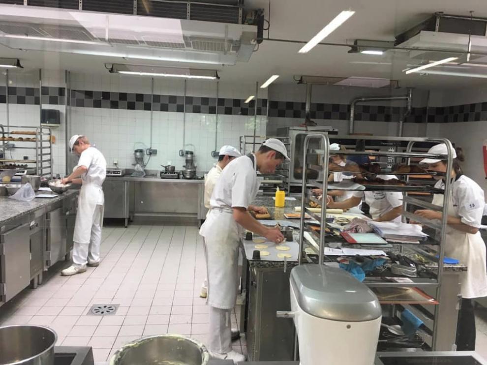 Los centros de FP de Huesca buscan futuros trabajadores de hoteles, jardineros o delineantes