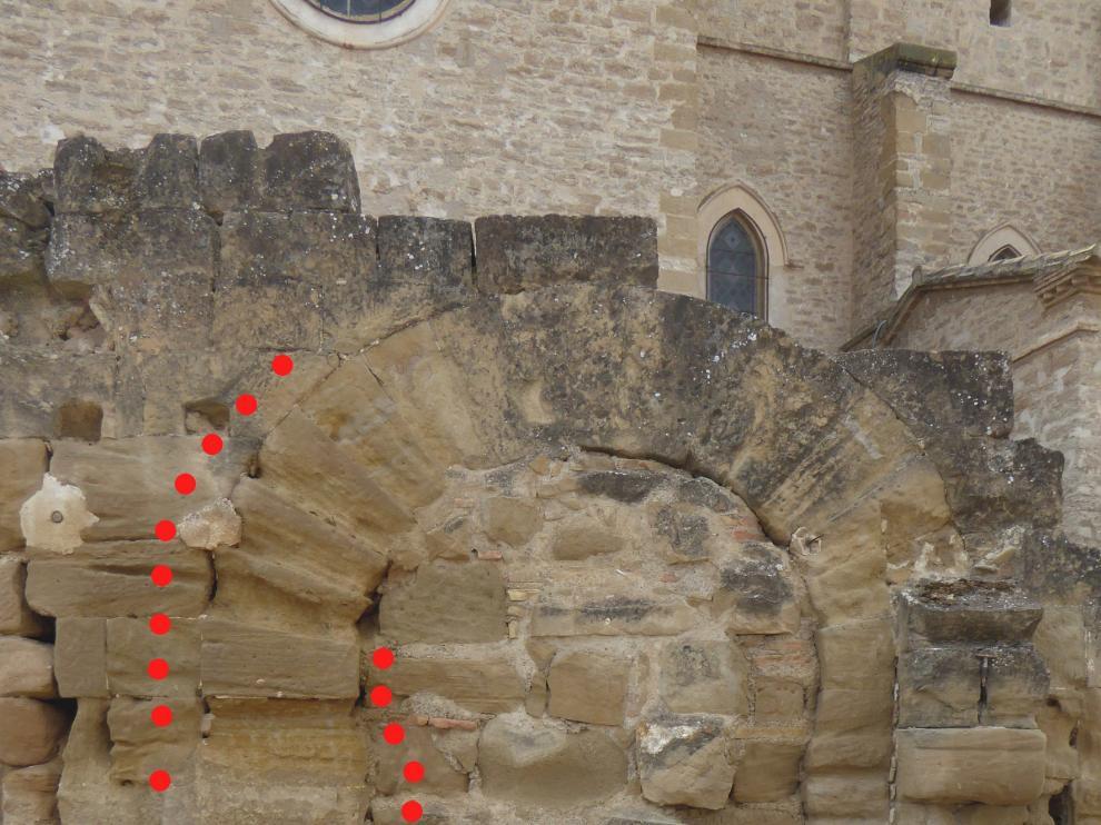 Una portada excepcionalmente visigoda en el entorno de la Catedral