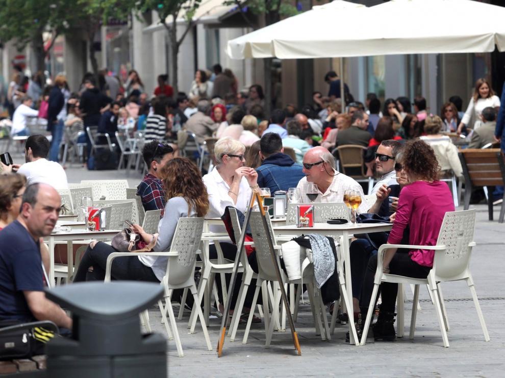Servicios, el sector con mayor dificultad en el registro horario en la provincia de Huesca