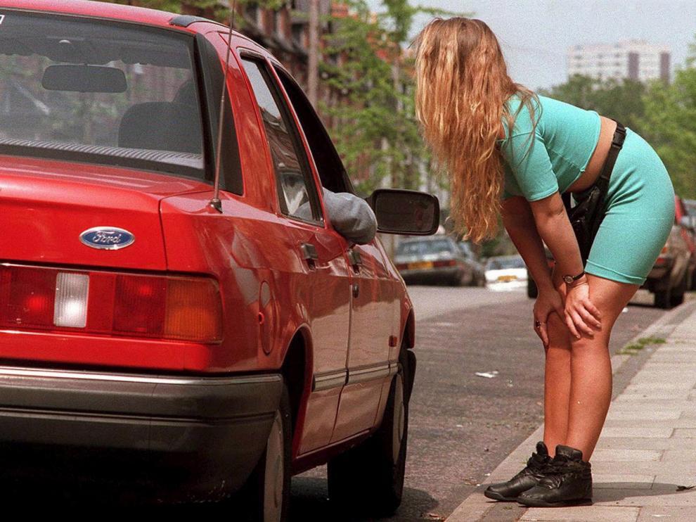 El oficio más antiguo no es la prostitución, es seguir mirando para otro lado
