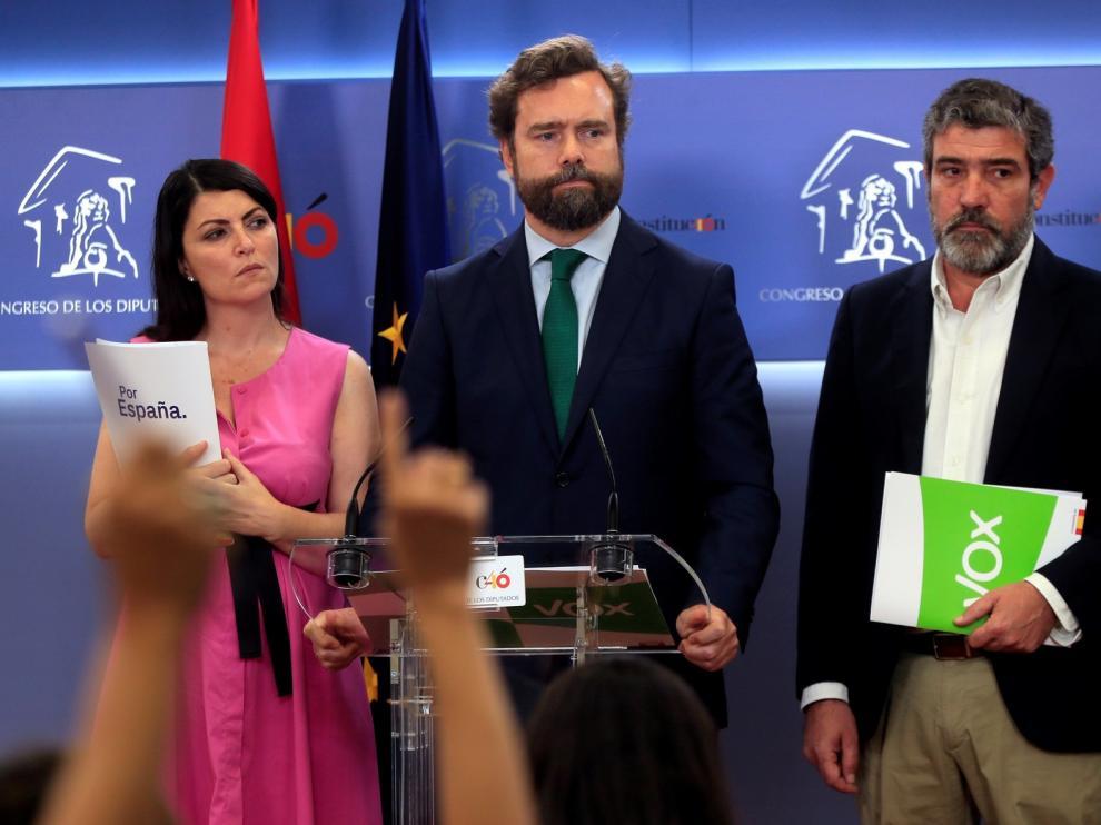 Vox hace público el pacto con el Partido Popular y lo da por roto