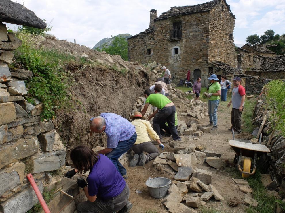 Gran demanda de participación en el I Taller de piedra seca de Sobrarbe