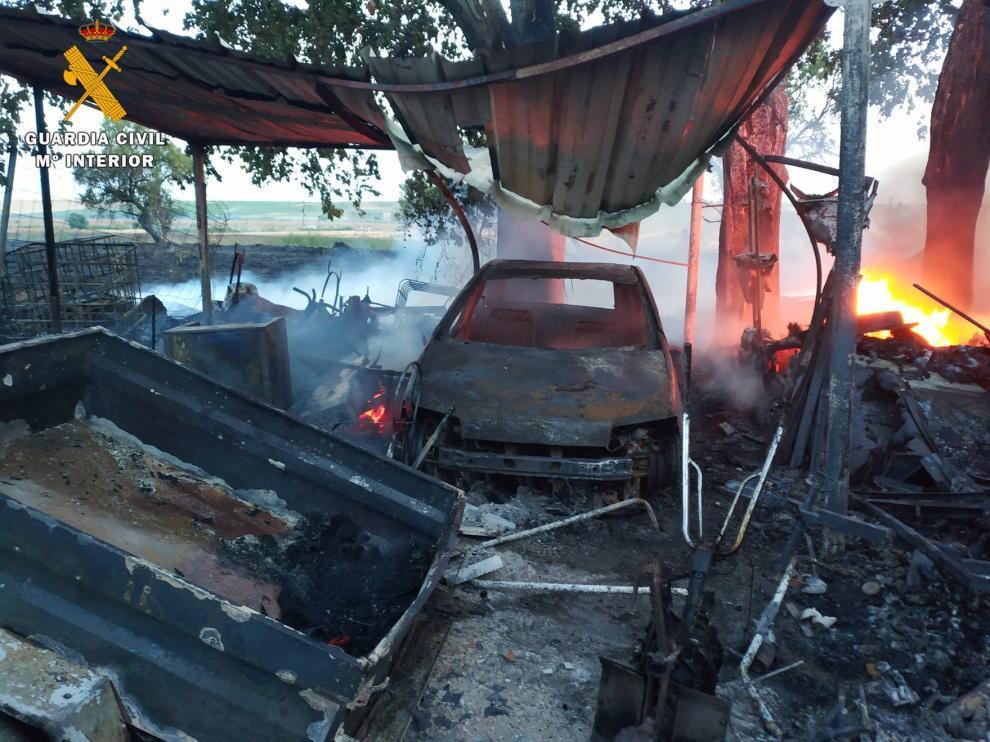 El fuego arrasa una vivienda en Altorricón