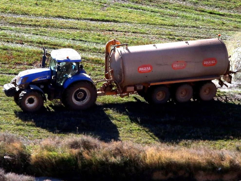 Desarrollan un proyecto sobre el uso eficiente del estiércol como fertilizante