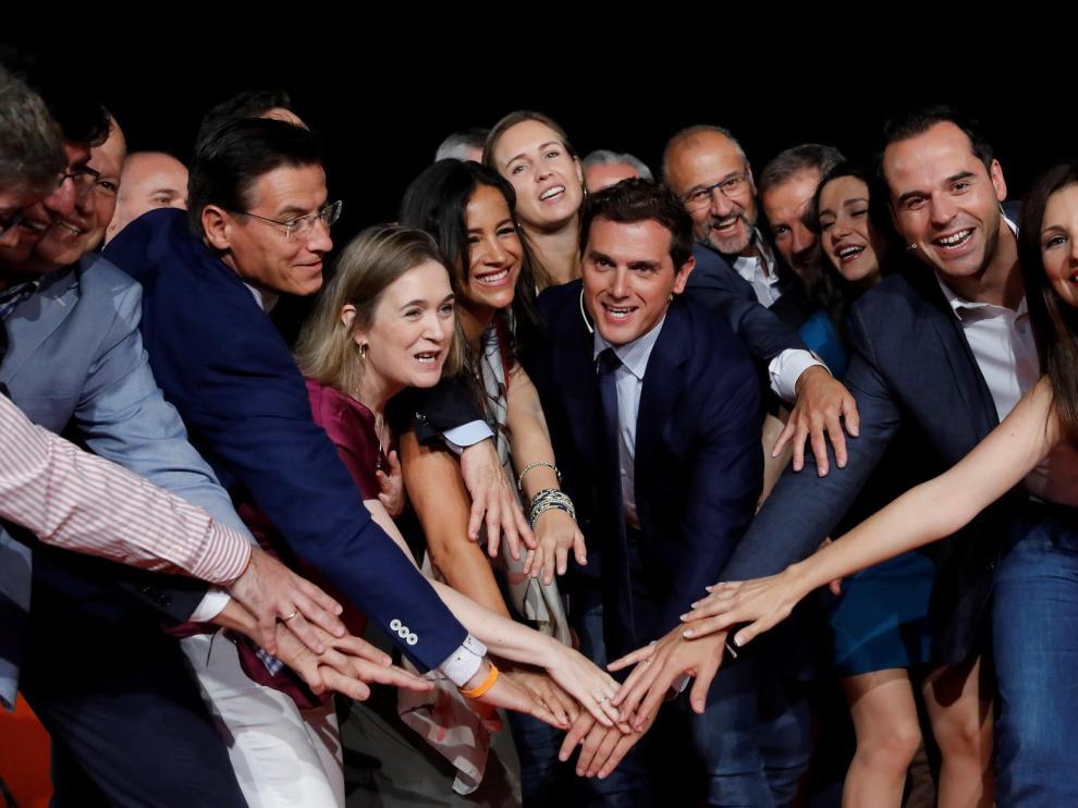 Rivera anima a los discrepantes a crear su propio partido