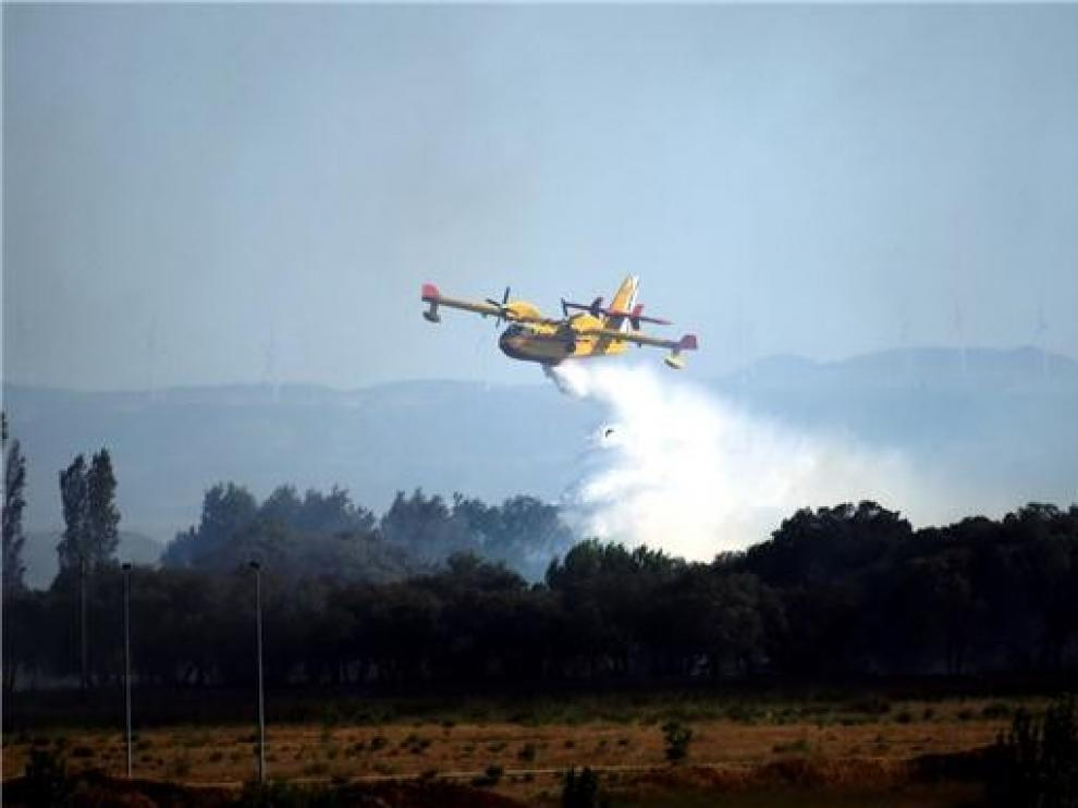 Extinguido el incendio agrícola declarado en las inmediaciones de Huesca tras arder 110 hectáreas