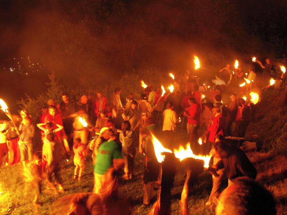 Las fiestas del fuego se viven con intensidad