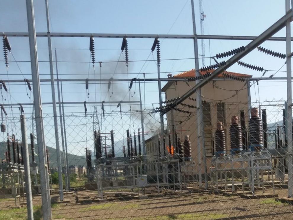 La estación eléctrica de Jaca sufre un pequeño incendio