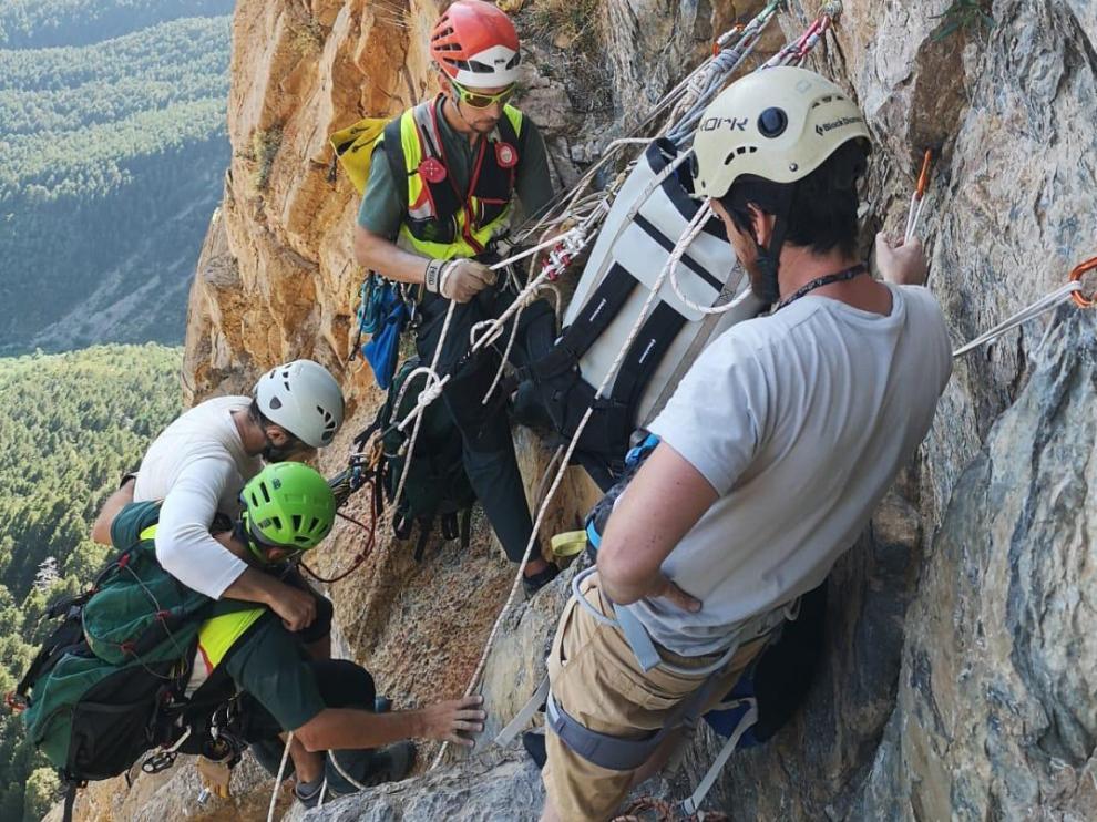 La Guardia Civil rescata a diez personas, nueve de ellas heridas, en dos días