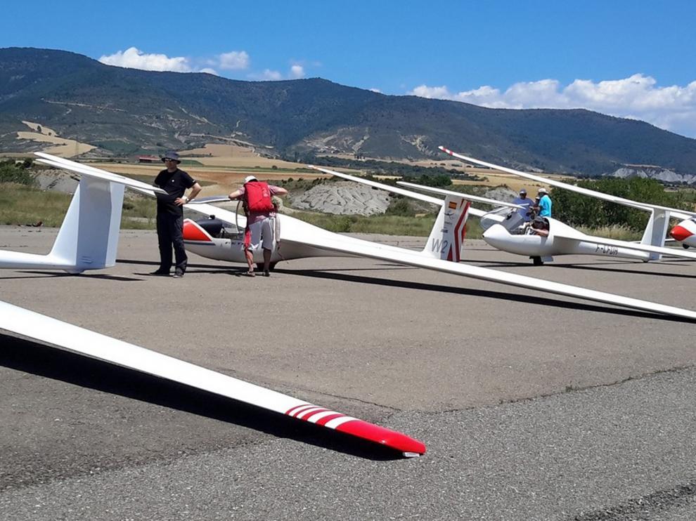 El aeródromo de Santa Cilia reanuda su actividad el lunes