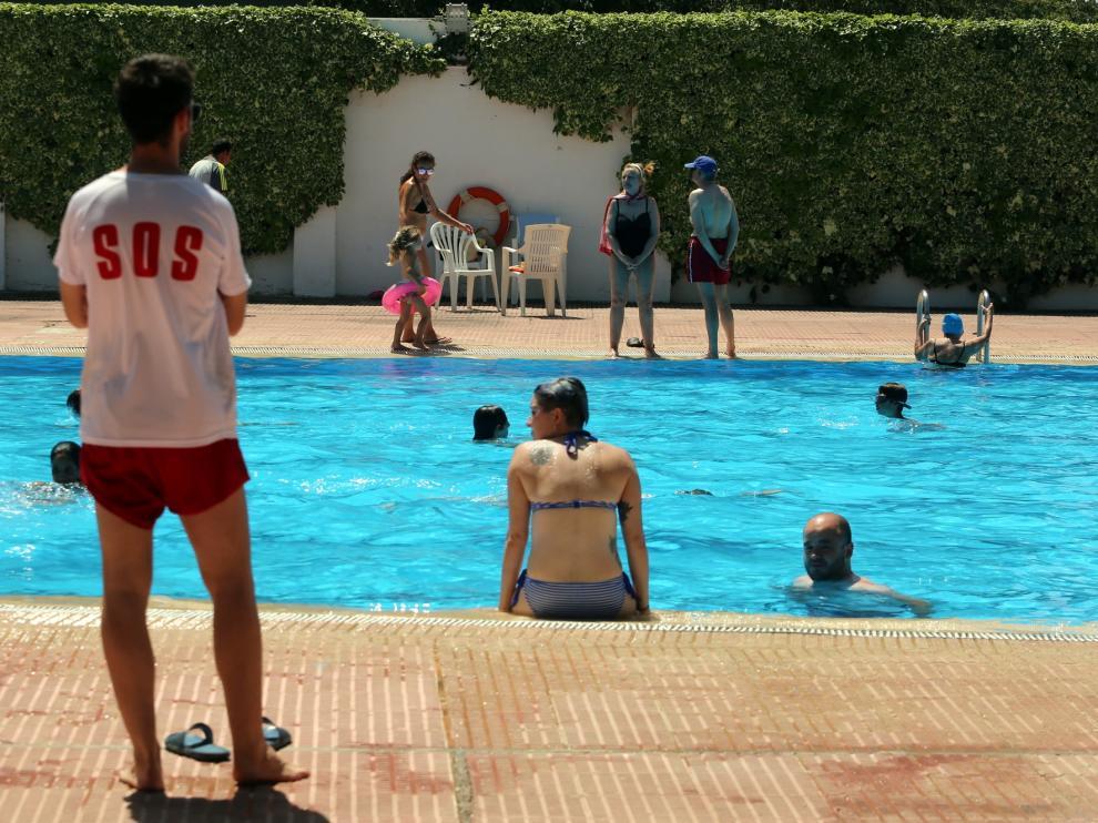 Las piscinas de San Jorge y Ruiseñor no tienen capacidad para acoger a los bañistas de la Ciudad Deportiva