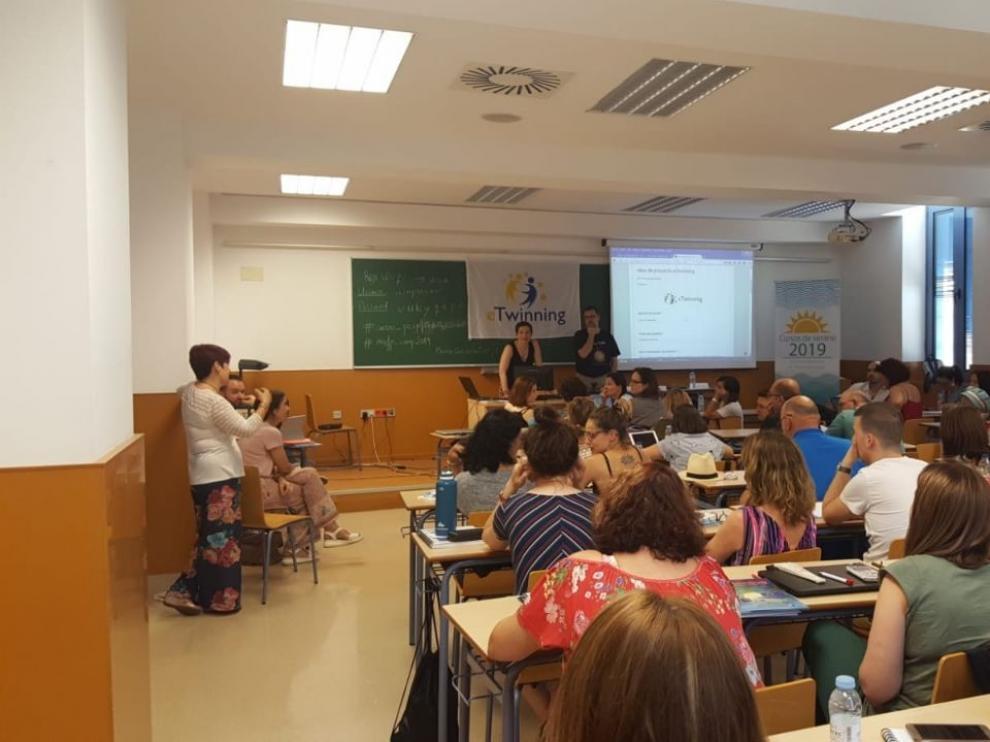 Profesores de varias comunidades se forman en enseñanza plurilingüe en el Campus de Huesca