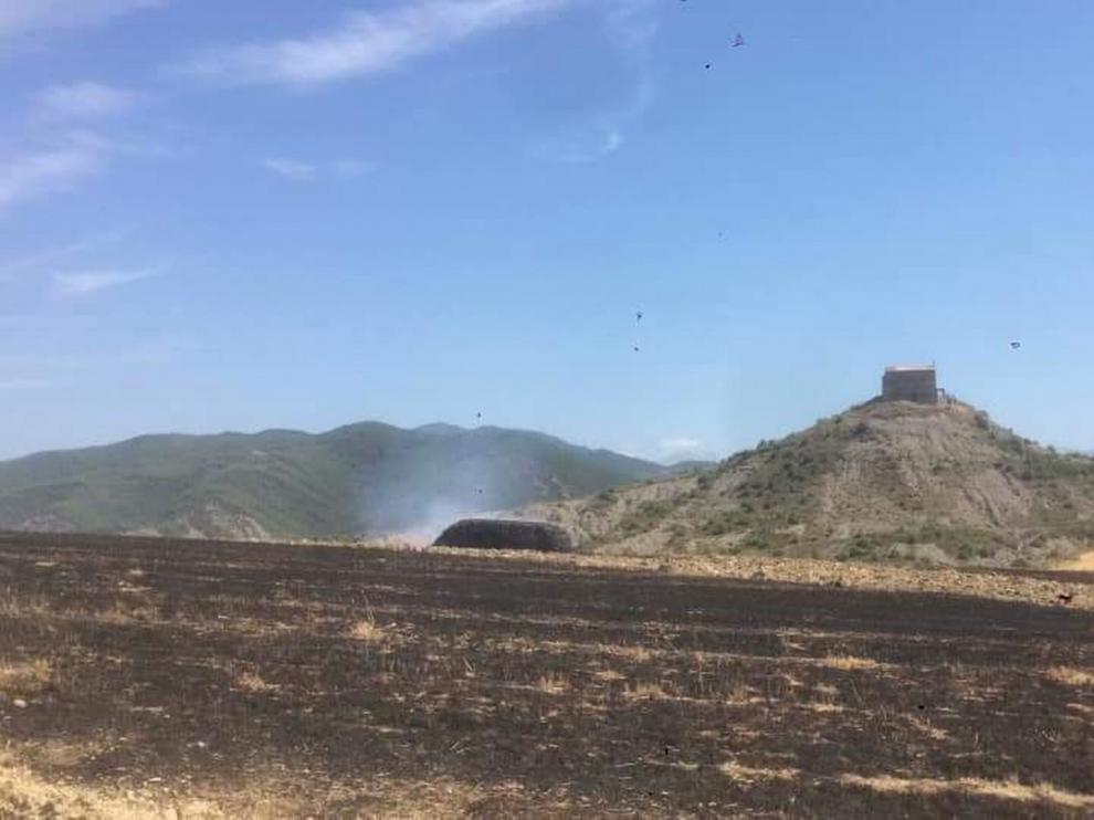 Incendio quema media hectárea de cosecha y matorrales en Biniés