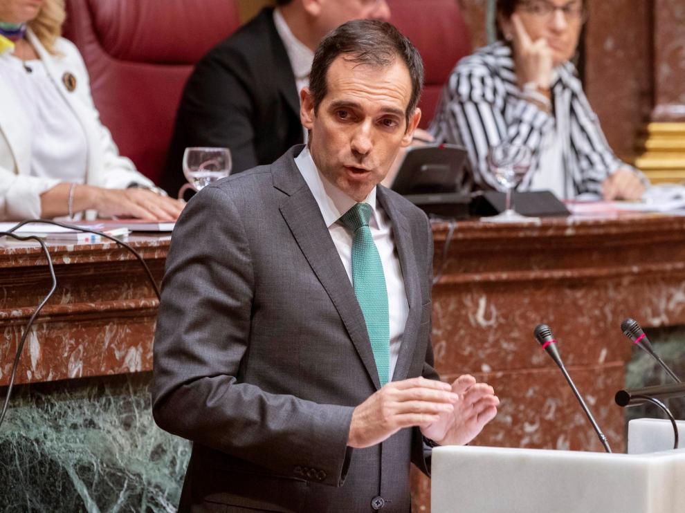 Vox impide la investidura del popular López Miras en Murcia