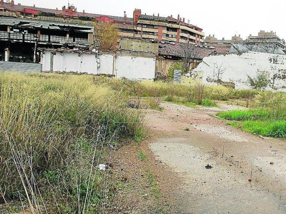 Los polígonos industriales de Huesca proponen unir el vial de Plhus con la ciudad por Las Harineras
