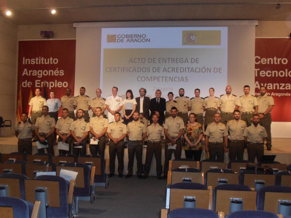 El Inaem entrega a 52 militares certificados de profesionalidad en dos especialidades
