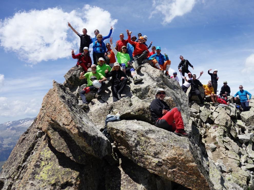 El Pico del Alba, un clásico de esquí de montaña en verano