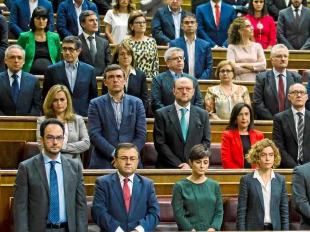 Más de sesenta diputados del PSOE que se abstuvieron con Rajoy piden al PP reciprocidad