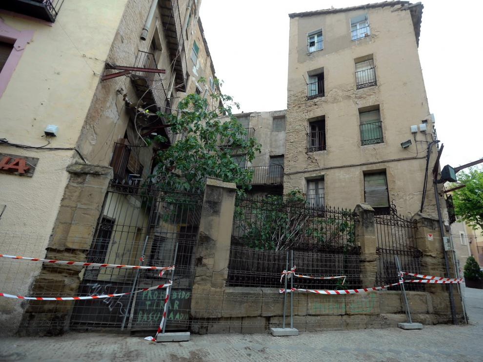 Cultura permite al Consistorio el derribo íntegro del número 2 de la plaza de San Pedro en Huesca