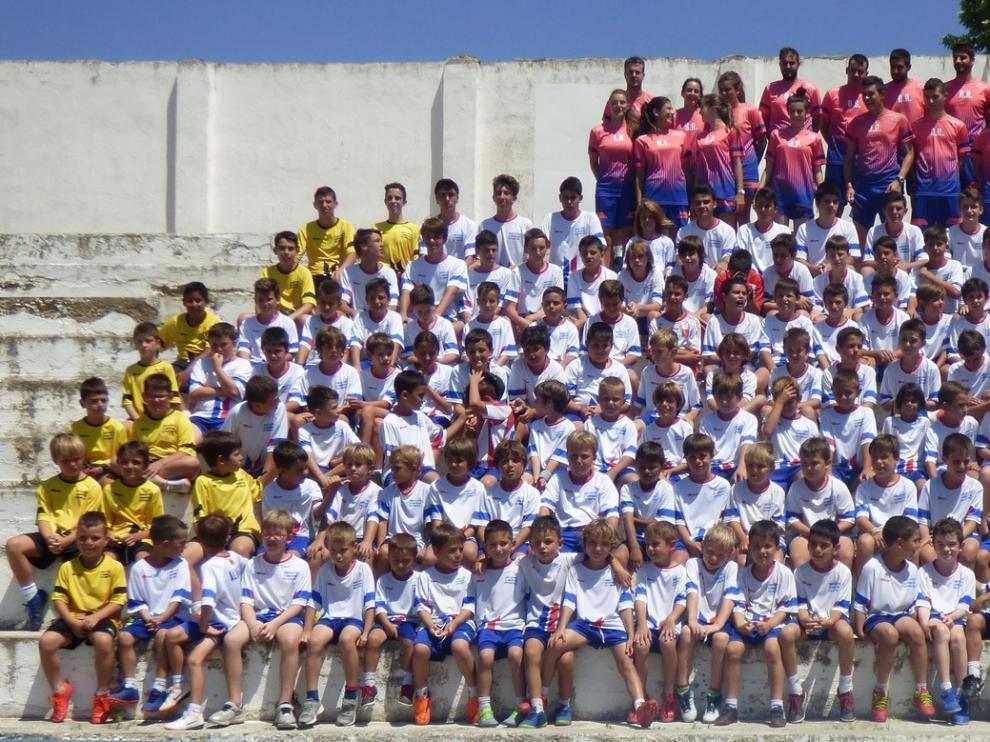 El Campus José Torres Gella prepara a las nuevas generaciones del fútbol base en Barbastro